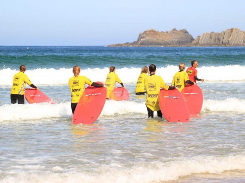 Que tipos de aulas de surf existem?